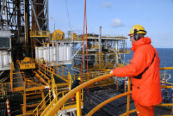 BP says expects flat oil output in Azerbaijan in 2017