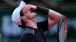 Andy Murray is fighting back at French Open against Radek Stepanek