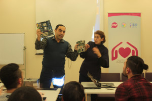 Nar-supported computer repair courses were launched for people with limited communication skills