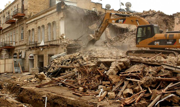 1000 buildings in disrepair to be torn down in Baku
