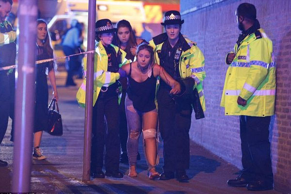 19 dead, 50 injured in suicide attack after concert in Manchester stadium (PHOTO/VIDEO)