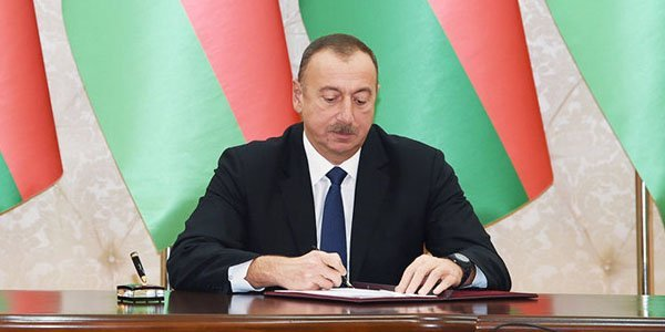 Azerbaijan increases salaries of people working at schools