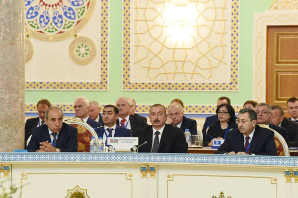 Azerbaijani president attends expanded session of CIS Council of Heads of State in Dushanbe (PHOTO)