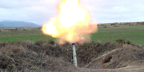 Army Corps conduct live-fire exercises (FOTO/VİDEO)
