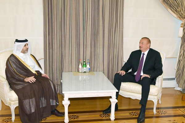 President Ilham Aliyev received Qatari municipality and environment minister (PHOTO)