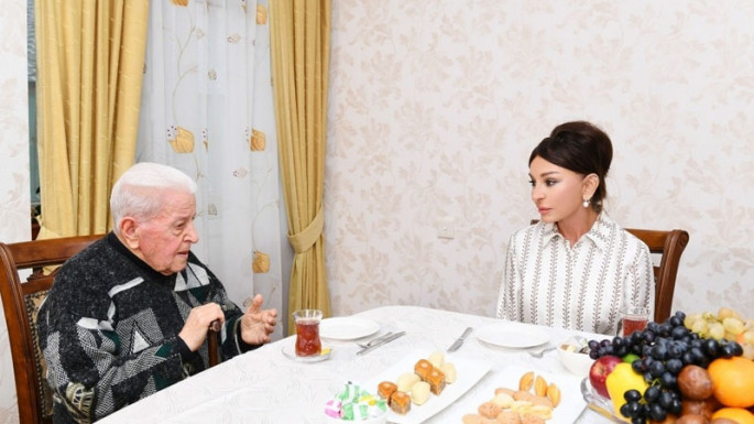 First Vice-President Mehriban Aliyeva visited People's Artist Alibaba Mammadov at his house (PHOTO)