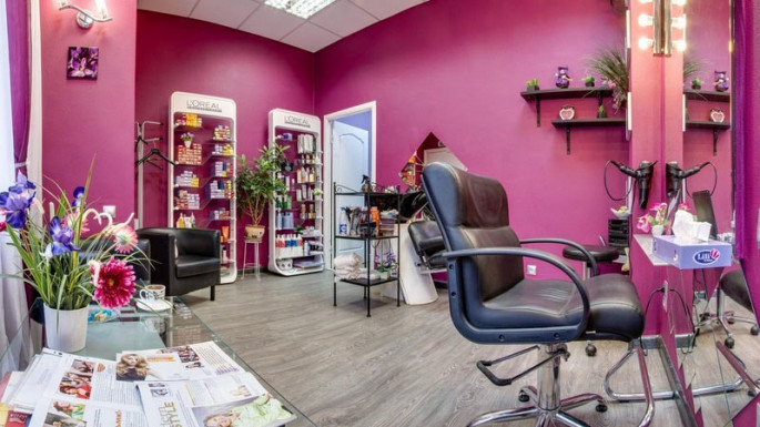 Barbershops and beauty salons resume services in Azerbaijan from today